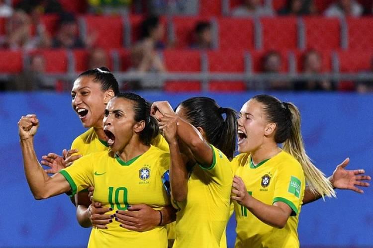 Crônica | A Copa do Mundo feminina a as casas abertas ao futebol