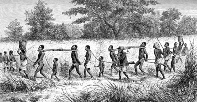 O negro escravizou o negro e vendeu pro branco. Por quê?