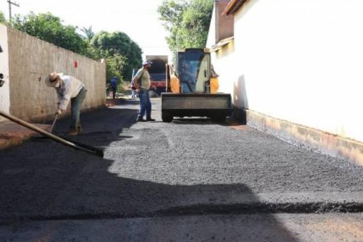 Moradores da Vila Piloto terão 16 vielas asfaltadas com recursos próprios do Município