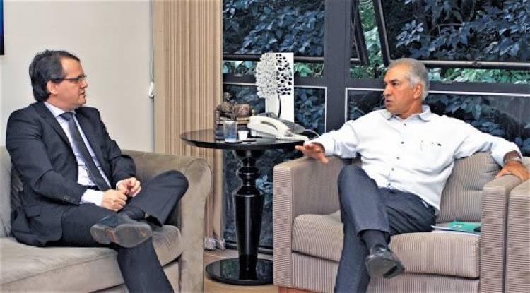 MPMS flagra contratos irregulares na informática da Sefaz, mas 'troca' ação contra Reinaldo por TAC
