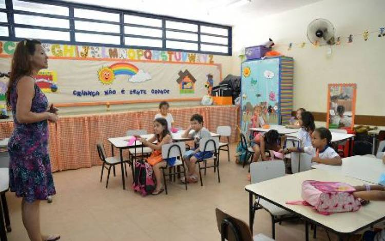 Novo Fundeb viabiliza piso nacional dos professores, afirma Dieese