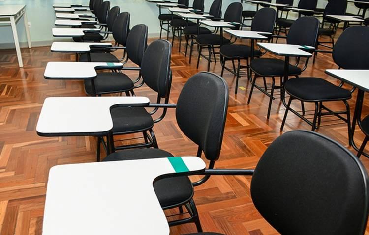 Desde 2013, ensino médio brasileiro não atinge nível esperado de qualidade no Ideb