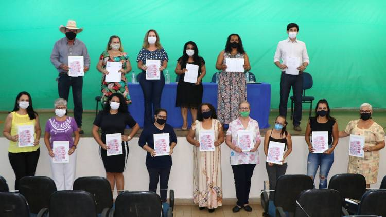 Prefeito Angelo Guerreiro dá posse às integrantes do Conselho Municipal dos Direitos da Mulher