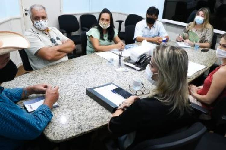 Prefeito de Três Lagoas realiza reunião com secretários e promotor de Justiça do Meio Ambiente para iniciar construção do Gatil e Canil Municipal