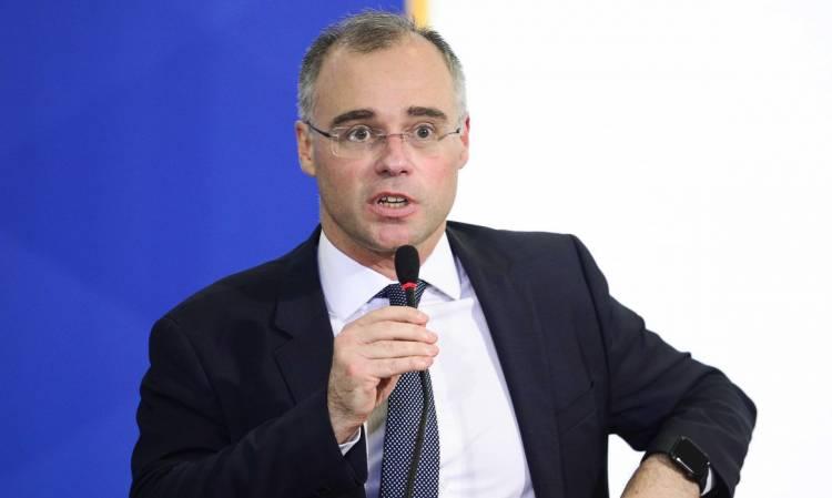 AGU defende no STF suspensão de decretos que proíbem cultos religiosos