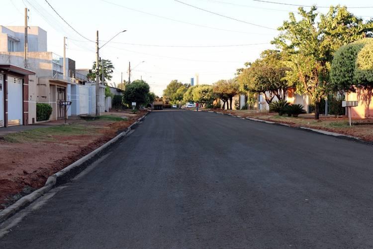 Mais de 2km de vias serão asfaltadas no bairro Vila Nova na próxima semana